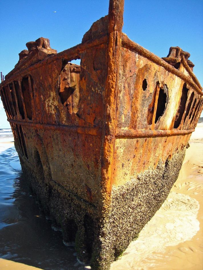 ship-wreck-652598_1920