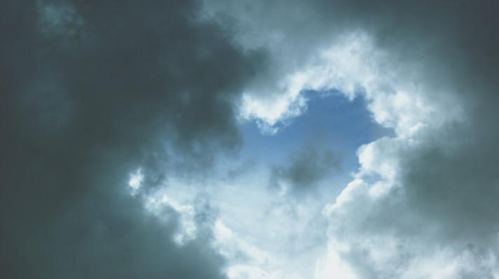 sky-3885511_1920